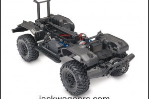 82016-4-TRX-4-Chassis-Kit-3qtr-IMG_1592