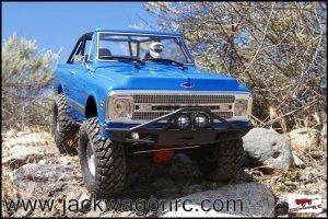 Axial Chevy Blazer SCX10ii Crawler-02