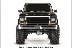 Traxxas-82046-4-Bronco-Frontview