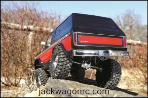 Traxxas-82046-4-Bronco-red-rear-rockclimb-action