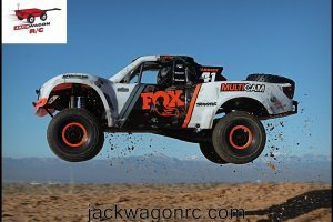 Traxxas-85076-Unlimited-Desert-Racer-Action-1