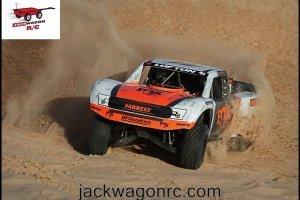 Traxxas-85076-Unlimited-Desert-Racer-Action-2