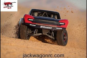 Traxxas-85076-Unlimited-Desert-Racer-Action-6